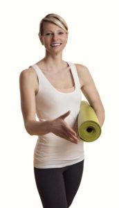 Eva-Maria mit Yogamatte