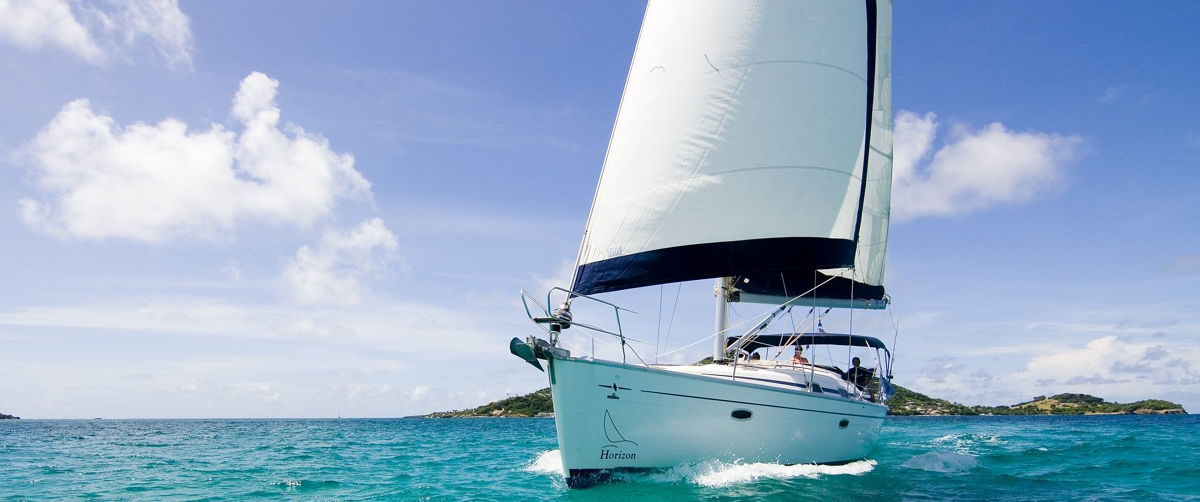 silent-yoga-sailing